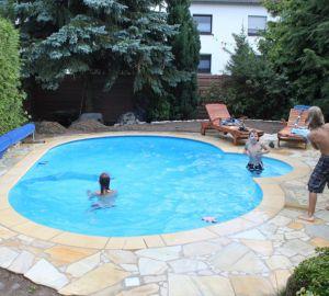 Referenzen neubau stahlwandbecken pro pool dreieich for Stahlwandbecken oval