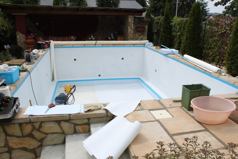 Renovierung betonbecken mit mosaikfolie pro pool for Folienauskleidung pool
